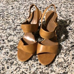 Anne Klein iflex sandal heel cognac